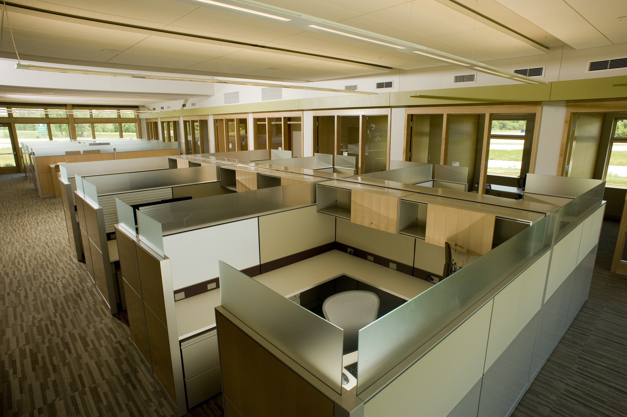 Industrial Office Cubicles : Case for commercial office furniture « corporate space
